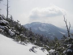 鬻科山から北横岳.jpg